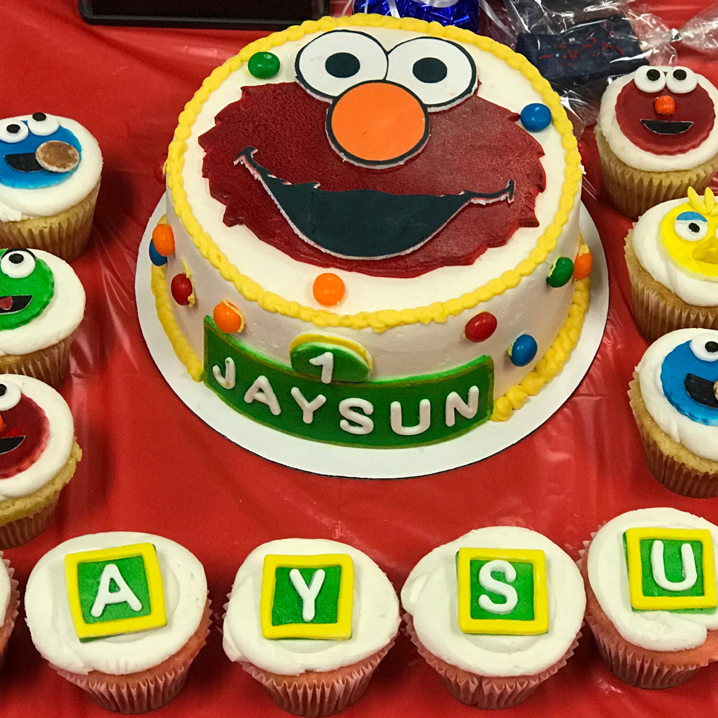 Elmo Themed Birthday Cake made by Jassy Sassy Sweets